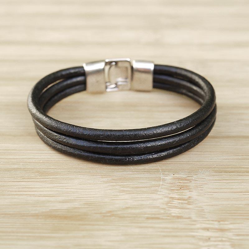 bracelet cuir artisanal homme 3 lani res de cuir rond noir. Black Bedroom Furniture Sets. Home Design Ideas